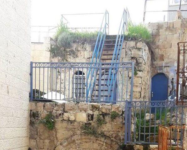 مستوطنون يحاولون الاستيلاء على منزل في البلدة القديمة بالخليل