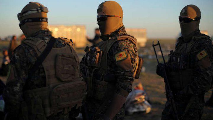 400 عنصر من داعش يسلمون أنفسهم شرق دير الزور