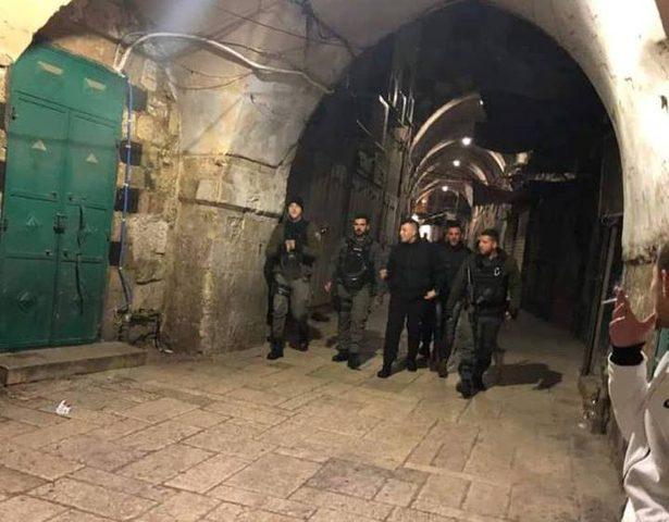 قوات الاحتلال تعتقل سبعة مقدسيين