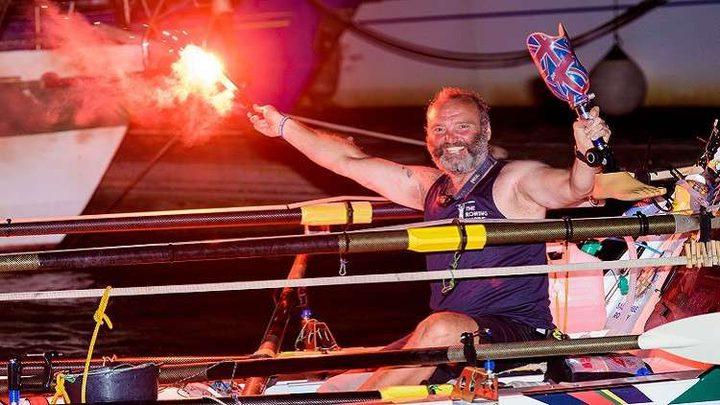رجل يعبر المحيط الأطلسي ويحقق رقما قياسيا رغم الإعاقة!