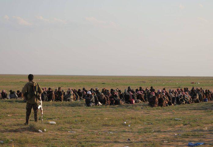 """داعش يدعو عناصره للثأر ويرسل """"آخر برقية"""" من الباغوز"""