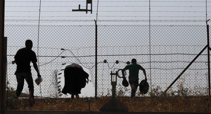 الاحتلال يعتقل فلسطينيا قرب السياج جنوب قطاع غزة