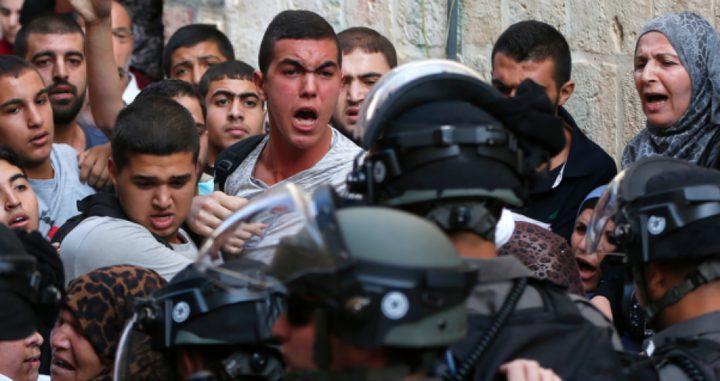 """الاحتلال يمنع مُسنة مقدسية من دخول """"الأقصى"""""""