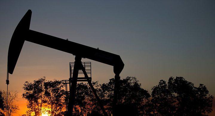 أسعار النفط تبقى قرب أعلى مستوى لها هذا العام