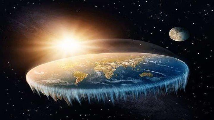 """مجتمع """"الأرض المسطحة"""" يستعد لرحلة إلى """"نهاية العالم""""!"""