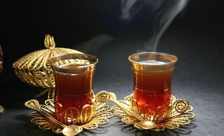 دراسة: شرب الشاي الساخن يزيد خطر الاصابة بسرطان المريء