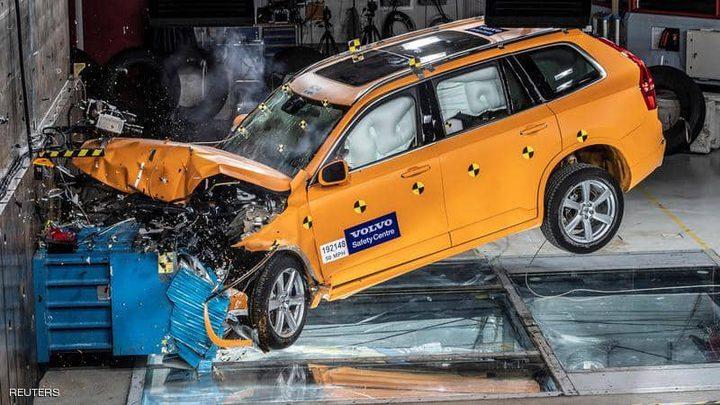 لمنع وقوع الحوادث..سيارة جديدة تعصي أوامر السائقين