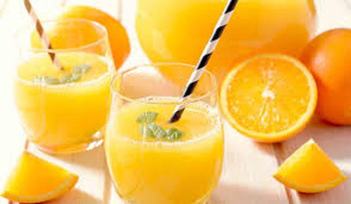 دراسة: عصير البرتقال يحميك من السكتات الدماغية