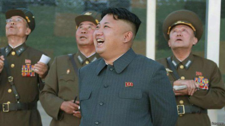 """""""كيم جونغ"""" يقسو على مصوره الخاص لسبب غريب!"""