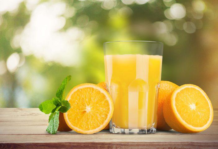 كيف يؤثر تناول عصير الفواكه على صحة الدماغ؟