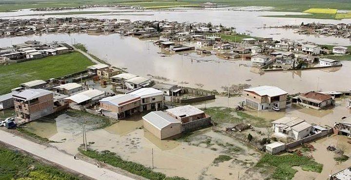 فيضانات تجتاح محافظة شيراز في إيران