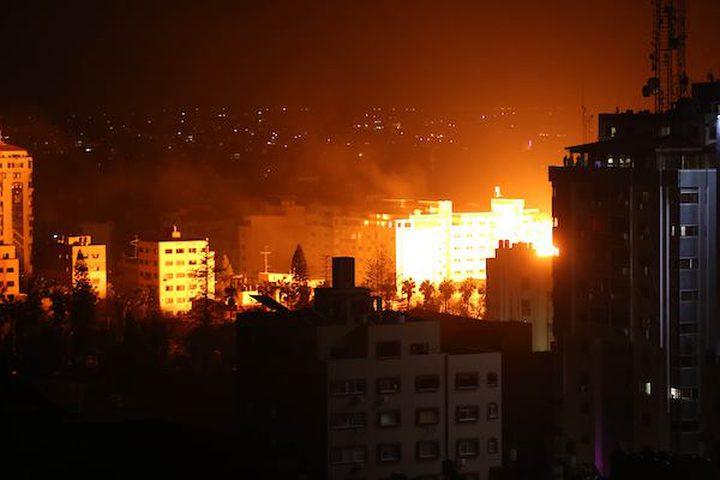 طائرات الاحتلال تستهدف مكتب اسماعيل هنية بغزة