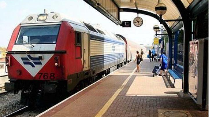 قوات الاحتلال تسمح بعودة حركة القطارات الى مناطق الجنوب