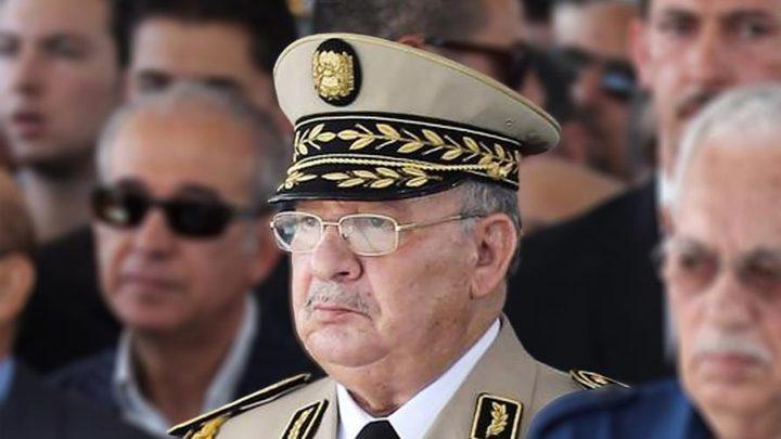 """قايد صالح: """"الحل في تطبيق المادة 102 من الدستور"""" الجزائري"""