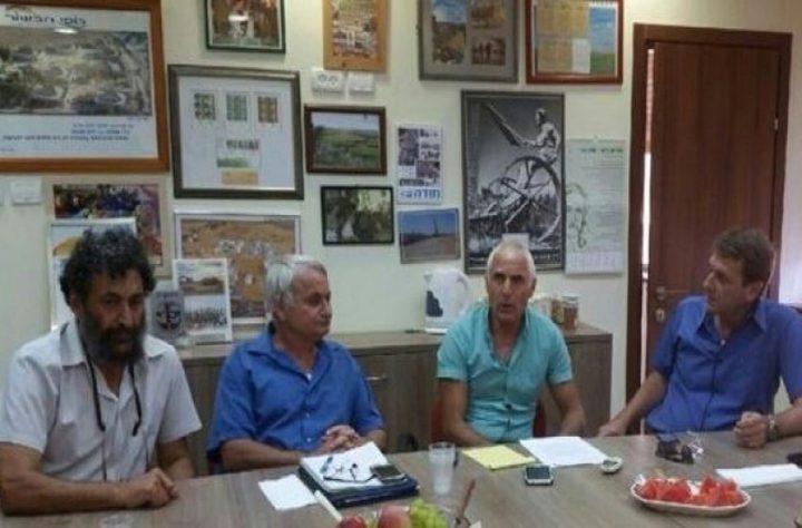 رؤساء بلديات الغلاف يجتمعون مع ضباط اسرائيليين