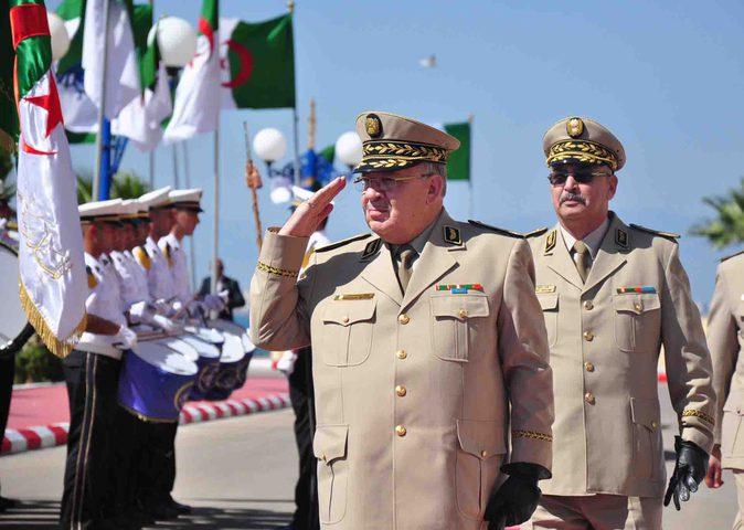 """الجزائر.. قائد الجيش يطالب بإعلان بوتفليقة """"غير لائق"""" بالمنصب"""
