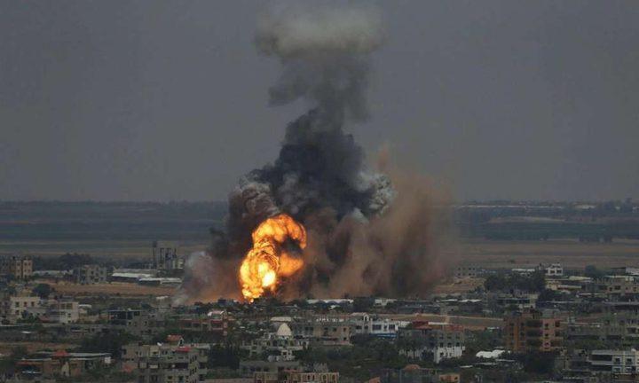 الطيران الحربي الإسرائيلي يجدد قصفه على مواقع في غزة فجراً