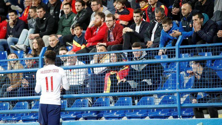 """اليويفا يحقق في """"أصوات القردة"""" خلال مباراة لإنجلترا"""