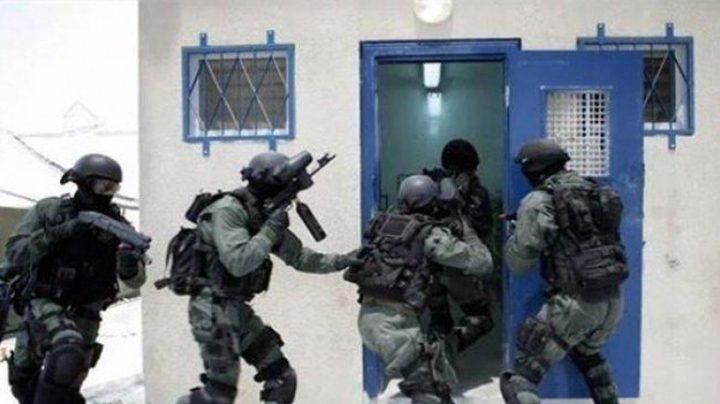 أبو بكر: السجون على وشك الانفجار والاحتلال من يتحمل المسؤولية