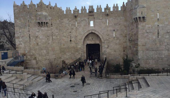 الاحتلال يغلق باب العامود بالقدس للمرة الثالثة