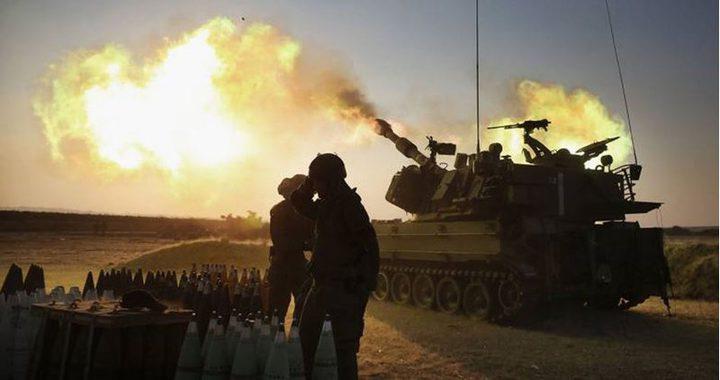 مدفعية الاحتلال تستهدف موقعاً وسط غزة