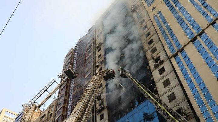 حريق ناطحة بنغلاديش يحصد أرواح 25 شخصا