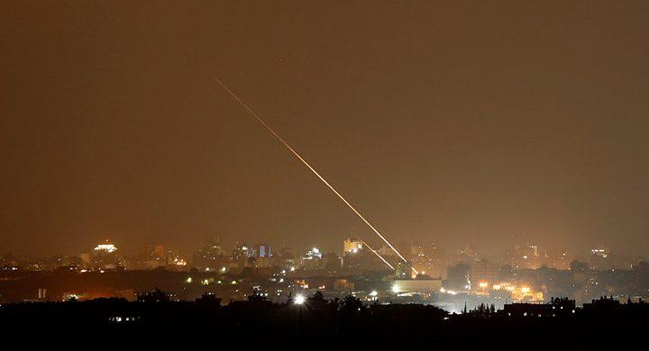 سقوط صواريخ على مستوطنات غلاف غزة والاحتلال يقصف مرصدًا للمقاومة