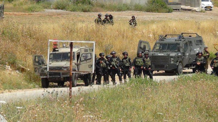 الاحتلال يغلق مدخل النبي صالح شمال رام الله