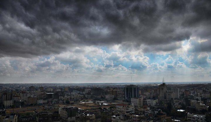 حالة الطقس: استمرار تأثير المنخفض الجوي حتى الغد