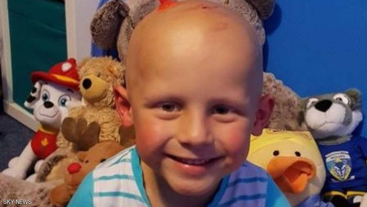 """قامرت بتبرعات علاج ابنها من السرطان.. وحكم قضائي """"صادم"""""""