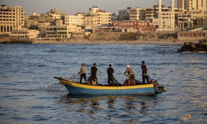 الاحتلال يعلن توسيع مساحة الصيد لـ(15) ميل