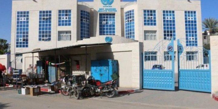 عنصر من حكومة غزة يعتدي على الكادر الطبي في عيادة بيت حانون!