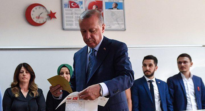 حزب أردوغان: اكتشفنا تناقضا في محاضر الاقتراع وجداول فرز الأصوات