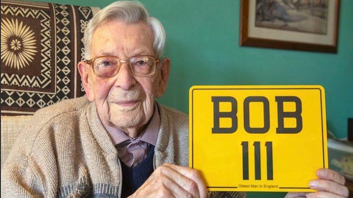 أكبر معمر في بريطانيا يكشف سر طول عمره!