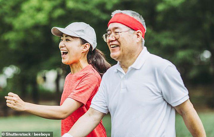 عشر دقائق من المشي يوميا تقلل خطر الإصابة بهشاشة العظام