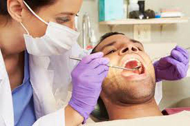استخدام الخيط والذهاب إلى طبيب الأسنان يقللان خطر الإصابة بسرطان