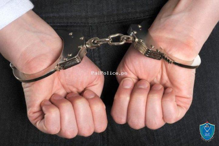 الشرطة تقبض على مطلوبين صادر بحقهما أحكام بالحبس 10 و15 عام