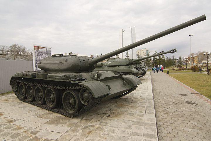 """دبابة """"ستالين"""" تشارك تعود للمشاركة في الاستعراضات العسكرية"""