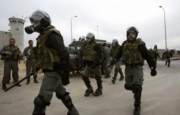 """قوات القمع تقتحم قسم """"1"""" في سجن النقب"""