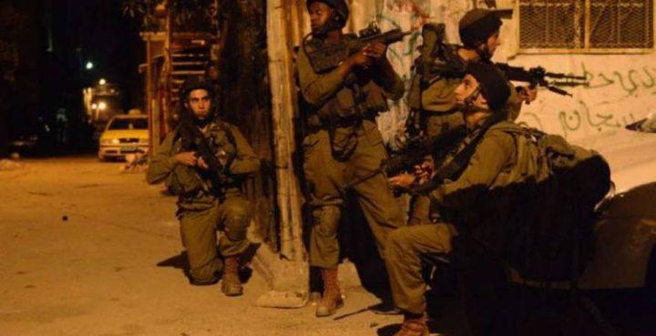 الاحتلال يعتقل طفلا من عزون