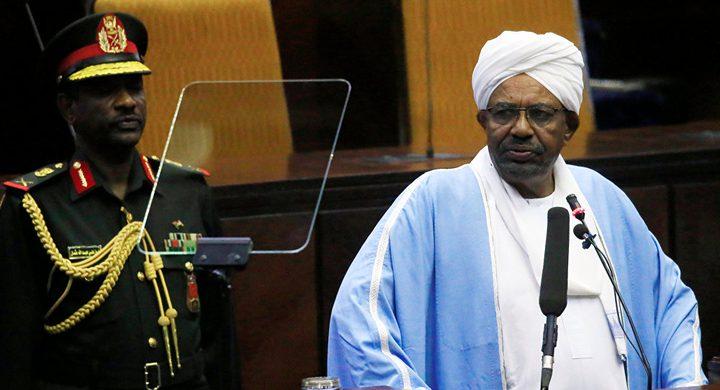 السودان.. نشطاء يعلنون عن خطاب مهم للبشير والرئاسة تنفي