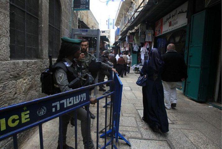 الاحتلال يقتحم منزل ناشطة مقدسية ويستدعيها للتحقيق