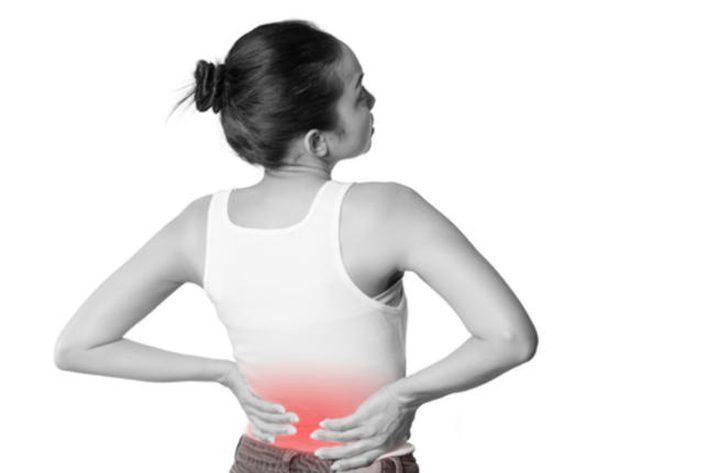 5 علاجات طبيعية لآلام الظهر