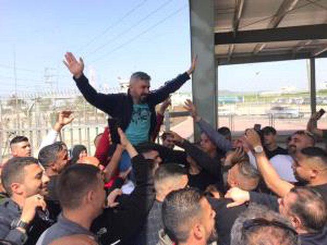 الإفراج عن أسيرين من نابلس أمضيا 18 في سجون الاحتلال
