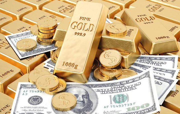 الذهب يرتفع مع تراجع الدولار الأمريكي