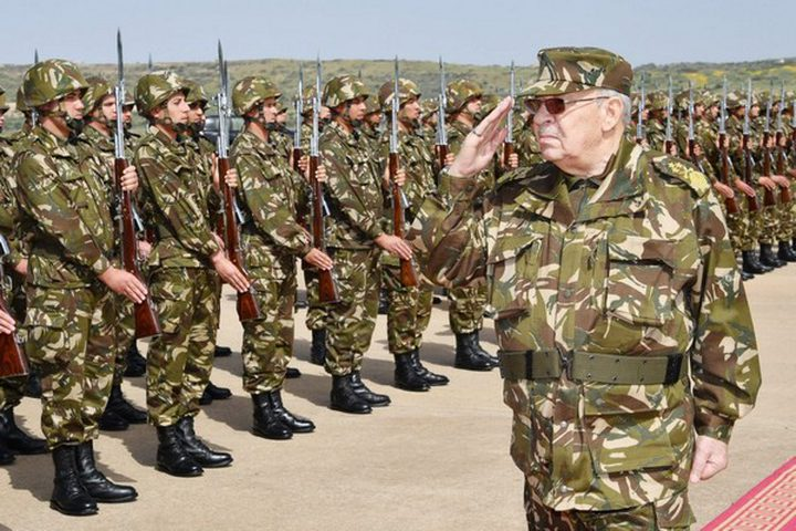 الجيش الجزائري يصدر بياناً