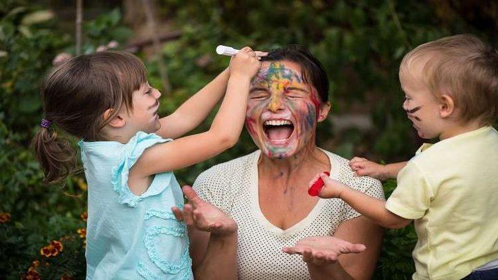 ما آثار تفضيل الآباء لأحد أطفالهم على أشقائه؟