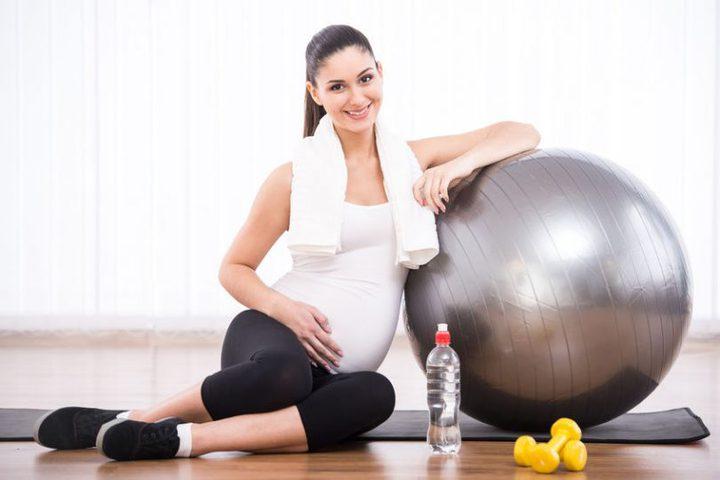 دراسة: ممارسة الحوامل للتمارين الرياضية يقي أطفالهن من البدانة