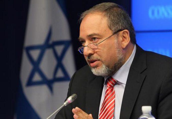 قناة عبرية: مفاتيح تفكيك الحكومة القادمة قد تصبح بيد ليبرمان