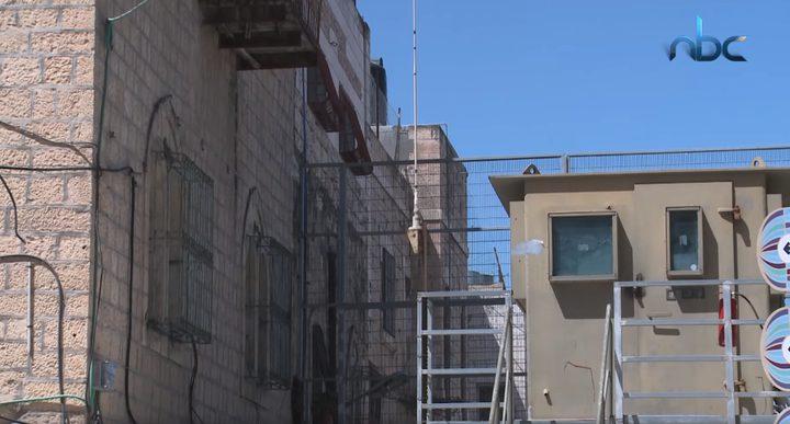 عائلة سدر من مدينة الخليل تتمكن في انتزاع قرار لإعادة فتح منزلها